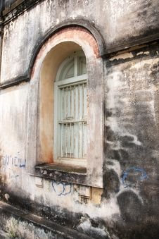 Free Old Buildings Royalty Free Stock Photos - 26902698