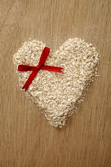 Free Heart Shape Oatmeal Stock Photography - 26912822