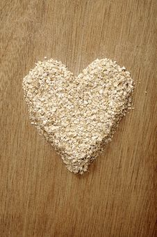 Free Heart Shape Oatmeal Stock Photo - 26913190