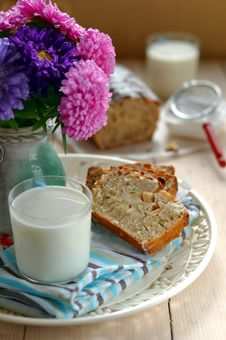 Free Two Slices Of Apple Cake With A Glass Of Milk Stock Photos - 26916573