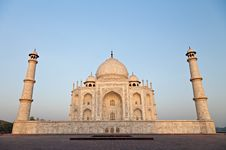 Free Taj Mahal In Sunrise Light Stock Image - 26930291