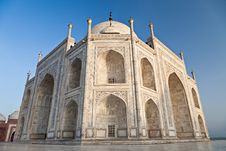 Free Taj Mahal In Sunrise Light Stock Photo - 26930300