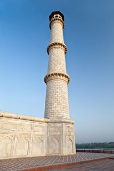 Single Taj Mahal Tower Stock Image