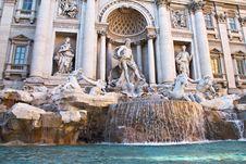 Free Fontana Di Trevi, Rome Royalty Free Stock Image - 26936176