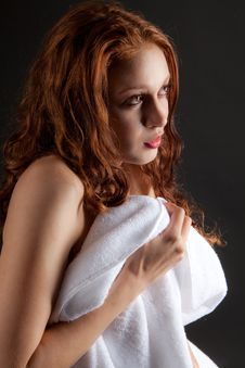 Free Pretty Woman With Towel Royalty Free Stock Photos - 26936538