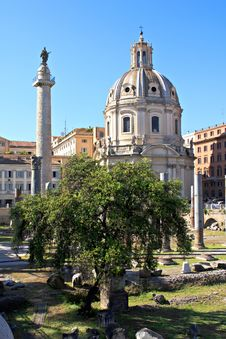 Free Old Roman Forum, Italy Royalty Free Stock Image - 26936676