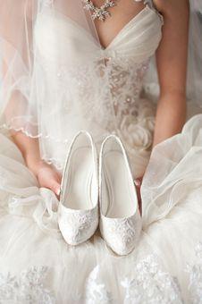 Free White Wedding Shoes Stock Image - 26942891