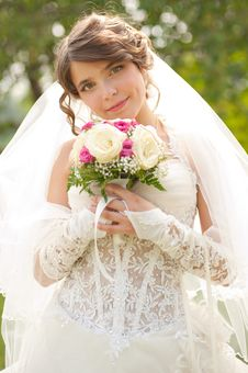 Free Young Beautiful Bride Stock Images - 26943004