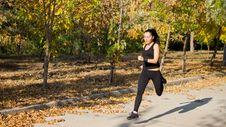 Free Women Running At Speed Royalty Free Stock Photos - 26949378