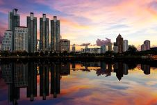 Free Cityscape With Reflection Royalty Free Stock Image - 26950866