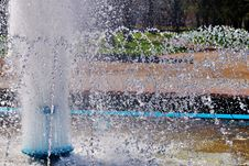 Free Summer Fountain Stock Images - 26953634