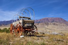 Free Weathered Wooden Wagon With Hoops Stock Photography - 26956222