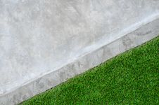 Free Artificial Grass On A Cement Wall Stock Photo - 26958020
