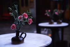 Free Flowers On Cafe Table Stock Photo - 26966960