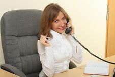 Free Business Woman Speeking Over The Phone Royalty Free Stock Photos - 26981098