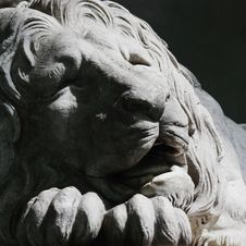 Free Sculpture Of A Lion As A Symbol Of Strength Royalty Free Stock Photo - 26999735