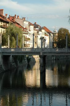Free Bridge Over Ljubljanica River Royalty Free Stock Photography - 273767