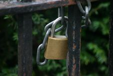 Free Padlock And Chain Royalty Free Stock Photos - 279188
