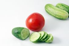 Free Cucumber And Tomato Royalty Free Stock Images - 2701469