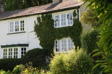 Free Ivy Covered Cottage Stock Photo - 2703080