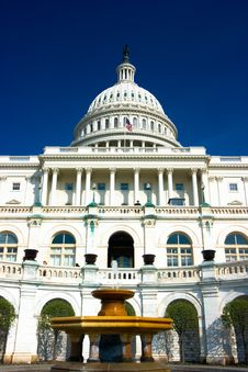 Free U.S. Capitol Building Dome Royalty Free Stock Image - 2704016