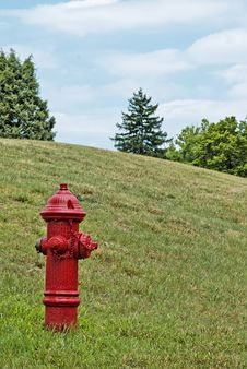 Free Red Hydrant Royalty Free Stock Image - 2707616