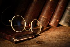 Free Old Spectacles Stock Photo - 27006950