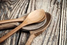 Free Wooden Spoons Royalty Free Stock Photo - 27015625