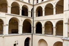 Free Courtyard Of PIeskowa Skala Palace Stock Photography - 27021012