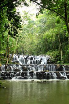 Free Sam Lan Waterfall Stock Photography - 27027192