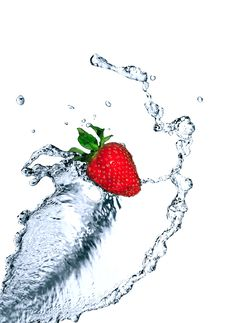 Free Strawberry In Water Stock Photos - 27028023