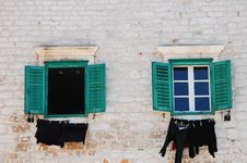Free Croatian Windows Royalty Free Stock Photography - 27039277