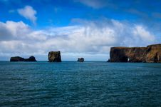Free Dyrholeay Ocean Cliffs, Iceland Royalty Free Stock Image - 27042416