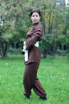 Free Woman Practicing Exercise  Tai Chi Royalty Free Stock Photos - 27042598