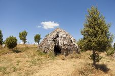 Free Traditional Straw Hut In Greek Country Royalty Free Stock Photos - 27074948