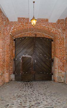 Free Medieval Castle Door Stock Image - 27087421
