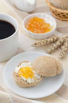 Free Breakfast With Muffin, Cheese And Jam Royalty Free Stock Photos - 27091188