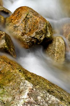 Free Granite Stones In The River Royalty Free Stock Photos - 2712018