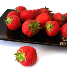 Strawberry In The Dish Royalty Free Stock Images