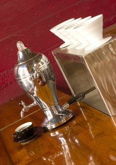 Free Vintage Coffee Maker Brewhouse Counter Top Stock Images - 27100264