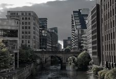 Free Manchester Appartments By Canal Stock Photos - 27104163