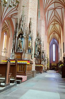 Free Side Aisle In The Church Royalty Free Stock Images - 27105609