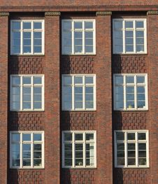 Free Modernist Red Brick Facade In Hamburg Royalty Free Stock Photography - 27115997