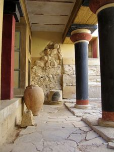 Free Minoan Palace In Greece Stock Image - 27123511