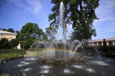 Free Fountain With A Rainbow, Peterhof Royalty Free Stock Image - 27124426