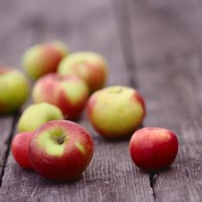 Free Background With Apples Stock Image - 27128611