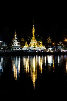 Free Temple In Night Royalty Free Stock Photography - 27132707