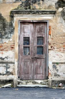 Free Old Door Of Brick Building Stock Image - 27153991