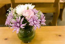 Free Jar Flowers Stock Image - 27154541