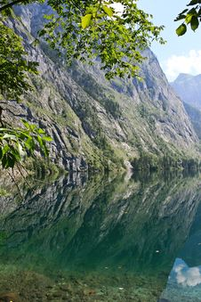 Free Mountain Reflection In A Lake Stock Images - 27159624